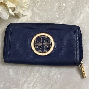 Tory Burch Amanda Wallet Blue Pebbled Leather